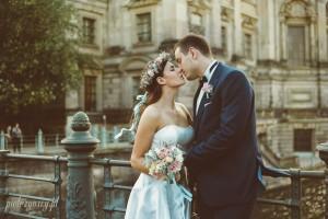 21, sesja ślubna w Berlinie, zagraniczna sesja ślubna, naturalne zdjęcia ślubne