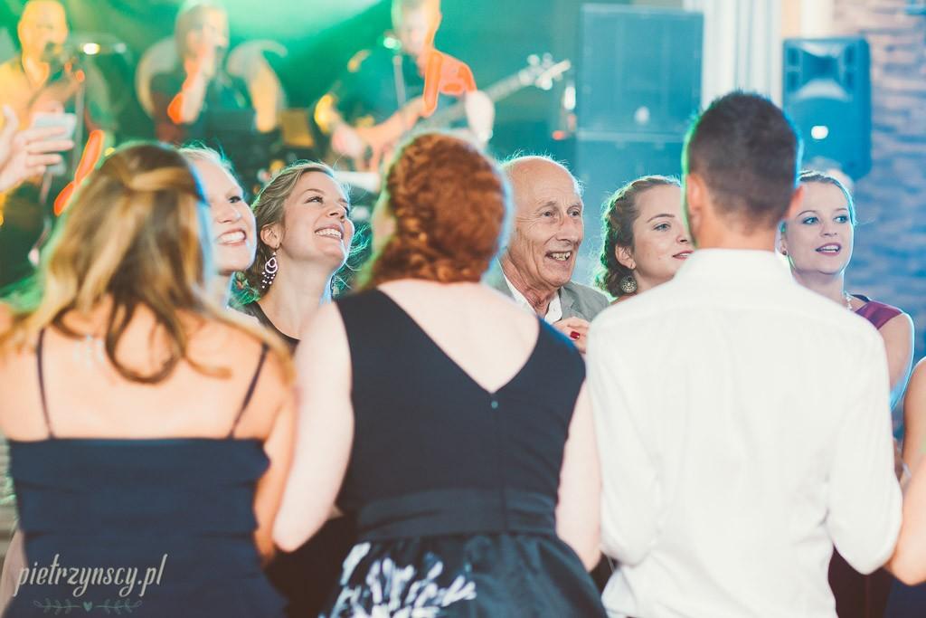 76, fotograf i kamerzysta poznań, zdjęcia i film ślubny poznań, sesja ślubna poznań