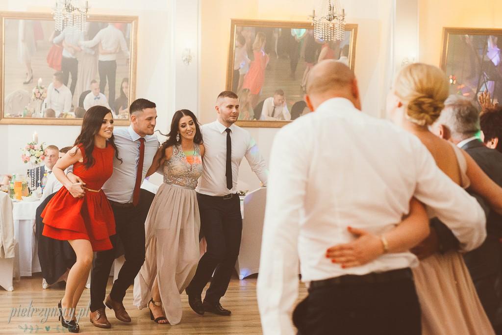 33, fotograf i filmowanie ślubu Turek, sesja ślubna Turek, fotograf na wesele Turek