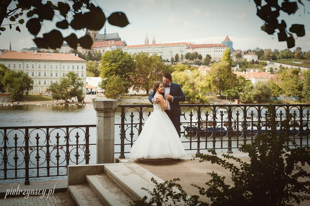 29, sesja poślubna zagranicą, sesja ślubna w Pradze, fotograf ślubny poznań